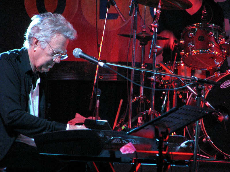 Ray Manzarek / Photo credit: https://www.flickr.com/photos/laurelrusswurm/14695953759/ Laurel L. Russwurm / CC BY